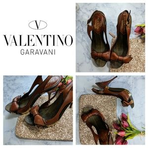 Valentino Garavani | Wood & Leather Bow Peeptoe